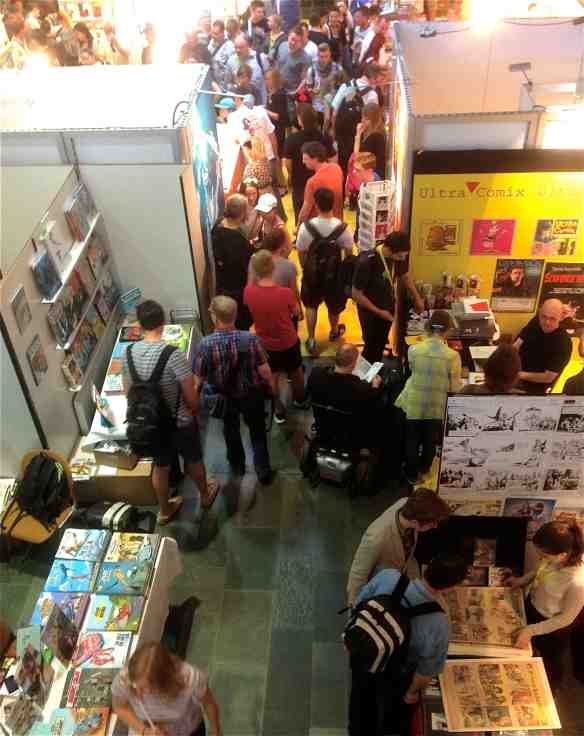 On the trading floor at COMIC SALON (Photo-© 2014 Michael Hill).